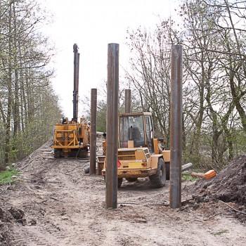 Werkzaamheden Fietsbrug - Stalen Buispalen - Fundering